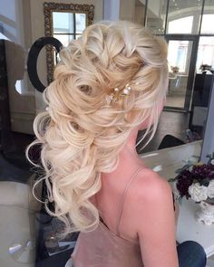 "1,113 Likes, 6 Comments - ELSTILE ™ hair&makeup (@elstilela) on Instagram: ""Wedding hair @elstilela @elstile @elstilespb ✨ Wedding hair + makeup $400 ✨ Regular Hair and…"""