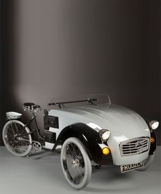 citroen C2 paris electric tricycle fuses a classic car with a bike