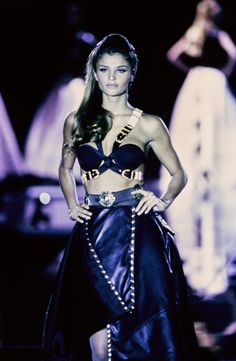 Versace Fall 1992 Ready-to-Wear Fashion Show - Helena Christensen