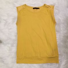 Gold Tee The Limited Gold Tee worn a few times The Limited Tops Tees - Short Sleeve