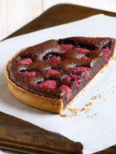 Tarte au chocolat et framboises
