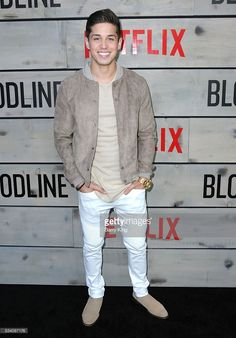 actor-brandon-larracuente-attends-the-premiere-of-netflixs-bloodline-picture-id534087176 (713×1024)