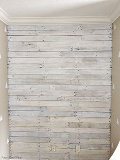 DIY: White Washed Pallet Wall/Fawn Over Baby. For one bathroom wall! Pallet Walls, Pallet Furniture, Pallet Wall Bathroom, Pallet Ceiling, Painting Furniture, Wood Headboard, Headboards, Decoration Inspiration, Plank Walls