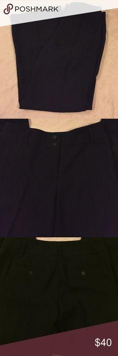 Black Wide Leg Dress Pants Like New Ann Taylor LOFT Black Dress Pants. 2 real back pockets. They're wide leg. Size 4. LOFT Pants Trousers