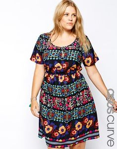 Ingrandisci Esclusiva ASOS CURVE - Vestito lungo con stampa floreale stile  arazzo Asos Curve 035da151305