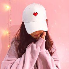 Cute heart and ribbon cap Korean Girl Photo, Cute Korean Girl, Cute Girl Pic, Cute Girls, Girl Pictures, Girl Photos, Cap Girl, Stylish Girls Photos, Instagram Girls