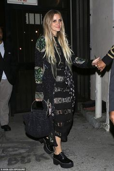 Ashlee Simpson Masterfully Mixes Boho Prints for L. Date Night with Evan Ross Stevie Nicks Concert, Evan Ross, Eccentric Style, Ashlee Simpson, Style Finder, Boho Look, Edgy Outfits, Celebs, Celebrities