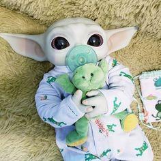 Yoda Meme, Yoda Funny, Regalos Star Wars, Pitbull Dog Puppy, Yoda Images, Minion Baby, Black Baby Dolls, Star Wars Jokes, Cute Fantasy Creatures