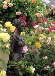 2011 Chelsea Flower Show... This is how I want my garden to look <3
