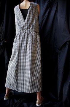 Studio Nicholson ( ENGLAND ) BACK TO FRONT GINGHAM APRON DRESS www.lancah.com