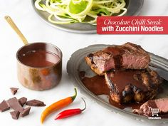 Steak with chilli chocolate sauce I Chef, Winter Warmers, Zucchini Noodles, Steak, Mad, Beef, Chocolate, Recipes, Dips