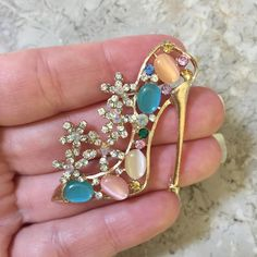 Bling Alloy Heel $2 each (10 available)  Please leave email and quantity. Once your order is final you must pay invoices immediately otherwise your items will be released to the next customers.  www.TheDecoKraft.com  www. http://ift.tt/2cKJCmg  #resin #weddings #pearls #wedding #resinsupplier #resinsupplies #bling #blingers #blingblingbling #diyglam #craftsupplies #customcases #casemaker #crafters #customdesigns #cellphonebling #diy  #resincharacters #handmade #kawaii #claycabochons…