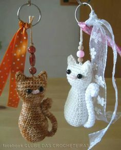 / crochet ideas and Cat keychain Free Crochet Pattern . / crochet ideas and The post Cat keychain Free Crochet Pattern . / crochet ideas and appeared first on Crochet ideas. Chat Crochet, Crochet Mignon, Crochet Amigurumi, Amigurumi Patterns, Crochet Dolls, Free Crochet, Knitting Patterns, Crochet Patterns, Mini Amigurumi