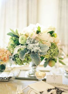 Calligraphy by lhcalligraphy.com, Floral Design by mindyrice.com, Photography by josevillaphoto.com