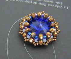 making beaded jewelry Jewelry Making Tutorials, Beading Tutorials, Beading Patterns, Beading Ideas, Bracelet Patterns, Beaded Brooch, Beaded Earrings, Beaded Bracelets, Beaded Jewelry