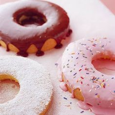 Bolo em formato de Donut! com confeitos e tudo. Imagine & Material: Bolos/cakes