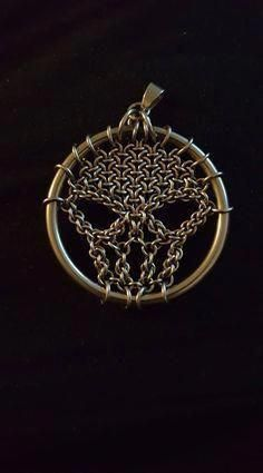 The etchant is the mix of chemicals you'll require to cut the style onto the unguarded surfaces of your metal. Specific metals can only be engraved with particular etchants. So keep in mind to appropriately match them up. Jump Ring Jewelry, Skull Jewelry, Metal Jewelry, Chainmail Patterns, Jewelry Crafts, Handmade Jewelry, Chainmaille, Skull Pendant, Photo Charms