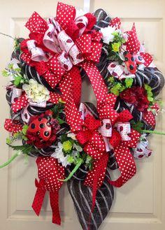 Mesh Wreath, Summer Wreath, Ladybug Wreath, Ladybug, decor