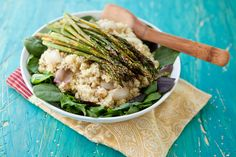 Roasted Asparagus and Spinach Quinoa Salad with Lemon Vinaigrette by @Shaina Olmanson | Food for My Family