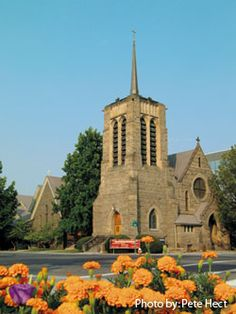 St. Michael's Episcopal Cathedral, built in 1902 in Boise, Idaho, exemplifies the style of the Gothic Revival period. It features lancet windows, pointed arches above the doors, and a rose window above the front entrance, all of which originated in the Gothic period.