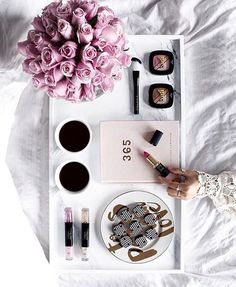 If only Friday morning meetings looked more like this 💁🏼☕️🌸 📸:@thetiafox ⠀⠀⠀⠀⠀⠀⠀⠀⠀⠀⠀⠀⠀⠀⠀⠀⠀⠀⠀⠀⠀⠀⠀⠀⠀⠀⠀⠀⠀⠀⠀⠀⠀⠀⠀⠀⠀⠀⠀⠀⠀⠀⠀⠀⠀⠀⠀⠀⠀⠀⠀⠀⠀⠀⠀⠀⠀⠀. #Friday #career #goals #careergoals #fashiondaily #stylefeed #inspiration #advice #fashion #fashionblogger #student #internship #ownboss #entrepreneur #careeradvice #careertips #beauty #blogger #bossbabe #ladyboss #hustle #girlgang #squadgoals #thecareersquad