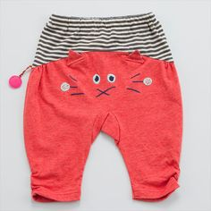 Inspiration for a pair of Oliver + S Lullaby Layette pants Sewing For Kids, Baby Sewing, Little Girl Outfits, Kids Outfits, Little Fashion, Kids Fashion, Baby Kids, Baby Boy, Diy Couture