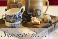 Summer is - There are things that remind us of summer. The combination of blue and white, seashells, family vacation photos, flowers in the garden and more! French Country Farmhouse, French Country Decorating, Farmhouse Decor, Romantic Shabby Chic, Shabby Chic Cottage, Blue Friday, Tea Stains, Homekeeping, Funky Junk