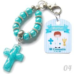 Denarios Llavero De Tiento Y Metal, Con Angel Para Souvenir - $ 23,00 Boy Baptism, Christening, Baby Shower Souvenirs, Baby Bracelet, Baptism Favors, First Holy Communion, Cat Party, Wooden Beads, Crafts