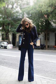 Indigo Blue Dungaree - Silvia wearing Zara Dungarees, Zara Navy Coat and Valentino Bag. Azul Indigo, Indigo Blue, Denim Overalls, Dungarees, Zara Fashion, Fashion Outfits, Moda Zara, Navy Coat, Western Dresses