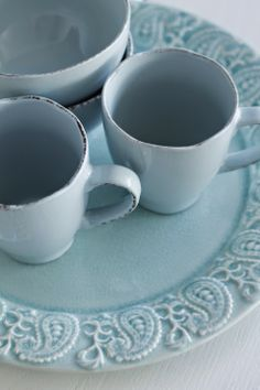 Porslin i turkost! Diy Crafts, Tableware, Kitchen, Cooking, Dinnerware, Dishes, Home Kitchens, Homemade, Diy Home Crafts