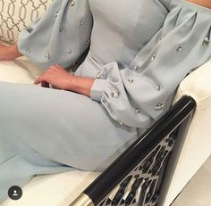 Uploaded by H. Find images and videos about fashion, style and dress on We Heart It - the app to get lost in what you love. Abaya Style, Hijab Style, Stylish Dresses, Simple Dresses, Elegant Dresses, Fashion Dresses, Fashion Clothes, Arab Fashion, Muslim Fashion