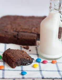 Brownie fundente de chocolate negro (70%) y m&m´s