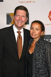 Stone Phillips and wife Debra Interracial Family, Interracial Dating Sites, Interracial Marriage, Mixed Couples, Couples In Love, Black And White Dating, Black Woman White Man, Black Women, Mixed Families