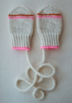 Infant Mittens, these are adorable - step-by-step instructions with pictures