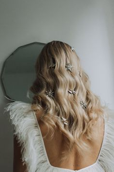 Tilly Thomas Lux hair pins and a Halfpenny London dress Down Hairstyles, Summer Hairstyles, Pretty Hairstyles, Easy Hairstyles, Wedding Hairstyles, Hairstyle Ideas, Hair Ideas, Curly Hair Styles, Curly Hair Cuts