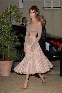 Amazing Skirts Ideas For Women - celebrity style - Bella Hadid Outfits, Bella Hadid Style, Runway Fashion, High Fashion, Couture Fashion, Fashion Fashion, Fashion Jewelry, Long Skirts For Women, Looks Street Style