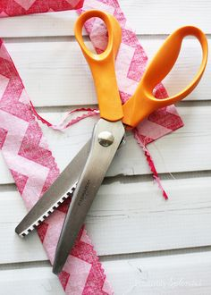Pinking shears, plus 5 more incredibly useful sewing tools you might not already own. Can't wait to try some of these!