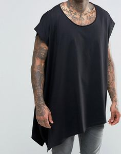 Imagen 3 de ASOS Extreme Oversized Drape T-Shirt With Scoop Neck And Asymmetric Hem In Black