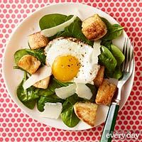 Every Day with Rachael Ray (September 2016): Eggs Florentine Salad with English Muffin Croutons