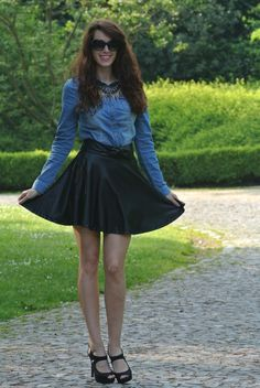 Curls and Bags by Nathalie Van den Berg: Outfit: Leather-looking skater skirt