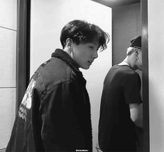 Animated gif discovered by 𝙂𝙤𝙡𝙙𝙚𝙣 𝙄𝙙𝙤𝙡 ⁷. Find images and videos about gif, bts and jungkook on We Heart It - the app to get lost in what you love. Foto Jungkook, Jungkook Cute, Bts Suga, Bts Bangtan Boy, Bts Boys, Jikook, Namjin, K Pop, Die Beatles