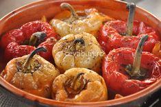Ardei umpluti cu carne tocata in stil grecesc: cum se fac. Mancaruri grecesti de taverna. Retete mediteraneene cu carne tocata. Ardei umpluti cu carne de miel.
