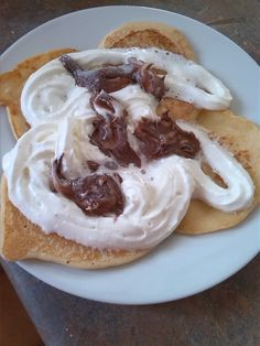 yumo hehe (; nutella and whipped cream
