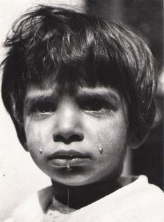Orphanage for children 1947 Photo: © Werner Bischof/Magnum Photos Crying Face, Diane Arbus, Eye Photography, Documentary Photography, Children Photography, Paris Match, Photographer Portfolio, Face Expressions, Religion