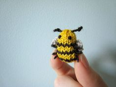OMG - a tiny knitted bee!