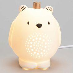 Une lampe veilleuse ludique pour une chambre remplie de fantaisie et de gaieté