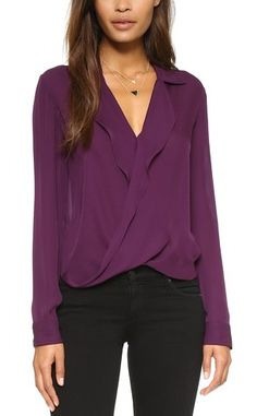 Purple long sleeve blouse - love the color and potentially very sexy in a slightly understated and classic way. Love the sleeve length. Modest Outfits, Chic Outfits, Pretty Outfits, Purple Blouse, Professional Attire, Blouse Outfit, Look Chic, Work Attire, Night Outfits
