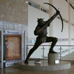 Statue of Robin Hood at Robin Hood Doncaster Airport - Airport Names Honouring The Famous