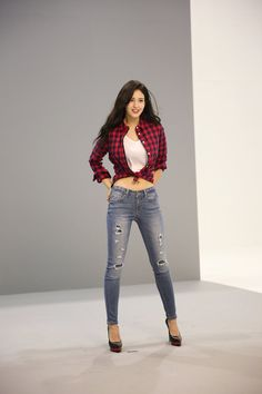 Jeon Somi participated in a photo shoot for fashion brand Jambangee and surprised everyone with her glamorous body. Korean Beauty, Asian Beauty, Asian Woman, Asian Girl, South Korean Women, Jeon Somi, Sexy Jeans, Ulzzang Girl, Girl Crushes