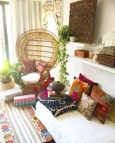 Busy morning, stocktaking, counting, dreaming, planning. As I sat cross legged on this gorgeous vintage kilim. Bone inlay ✔️ Vintage Suzani ✔️ Vintage Kilim ✔️ A basket of throws ✔️ Cane ✔️ A peacock chair ✔️ Kilim cushions ✔️ My favourite book The New Bohemians ✔️   My bohemian heart is singing and soaring